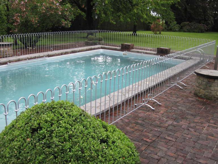Bilder zum poolzaun - Pool auf rasen stellen ...